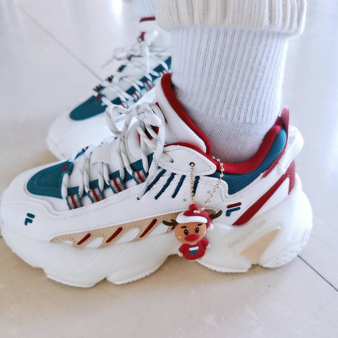 FILA斐乐女鞋官方老爹鞋女鞋2020冬季新款圣诞配色休闲运动鞋ADE潮明亮白/深丛绿-BD37.5