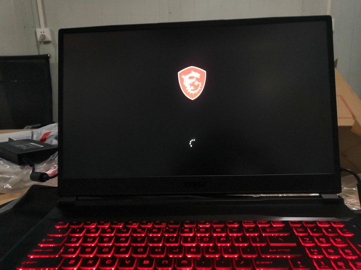 微星17.3英寸笔记本电脑,屏幕够大配置够高的游戏本