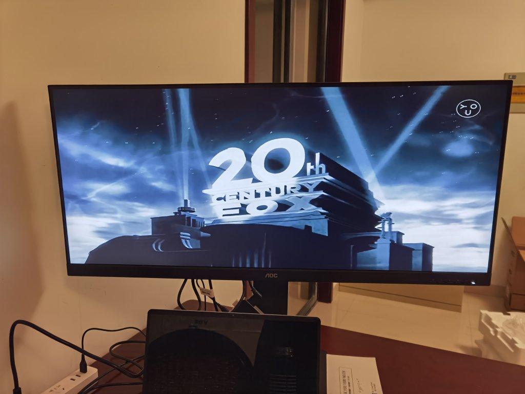 AOC高色域21:9带鱼屏显示器,满屏看电影体验太好了