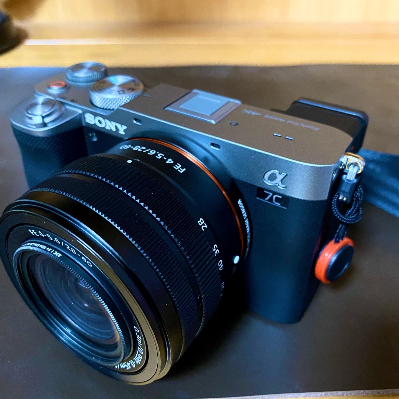 索尼小7全画幅微单相机,送女朋友高端数码礼物