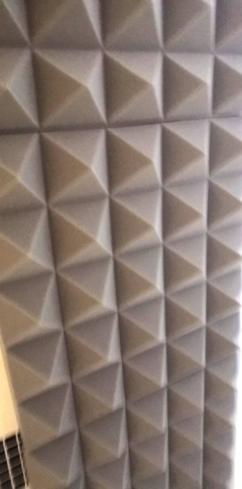 亿派隔音棉墙体吸音棉室内自粘录音棚琴房卧室家用主播ktv消音隔音板8CM金字塔【灰色】【10片装】高密度-带背胶