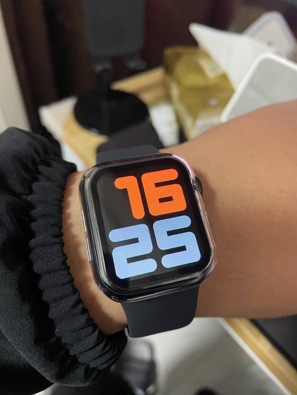 AppleWatchSE智能手表GPS+蜂窝款44毫米深空灰色铝金属表壳黑色运动型表带MYF02CH/A