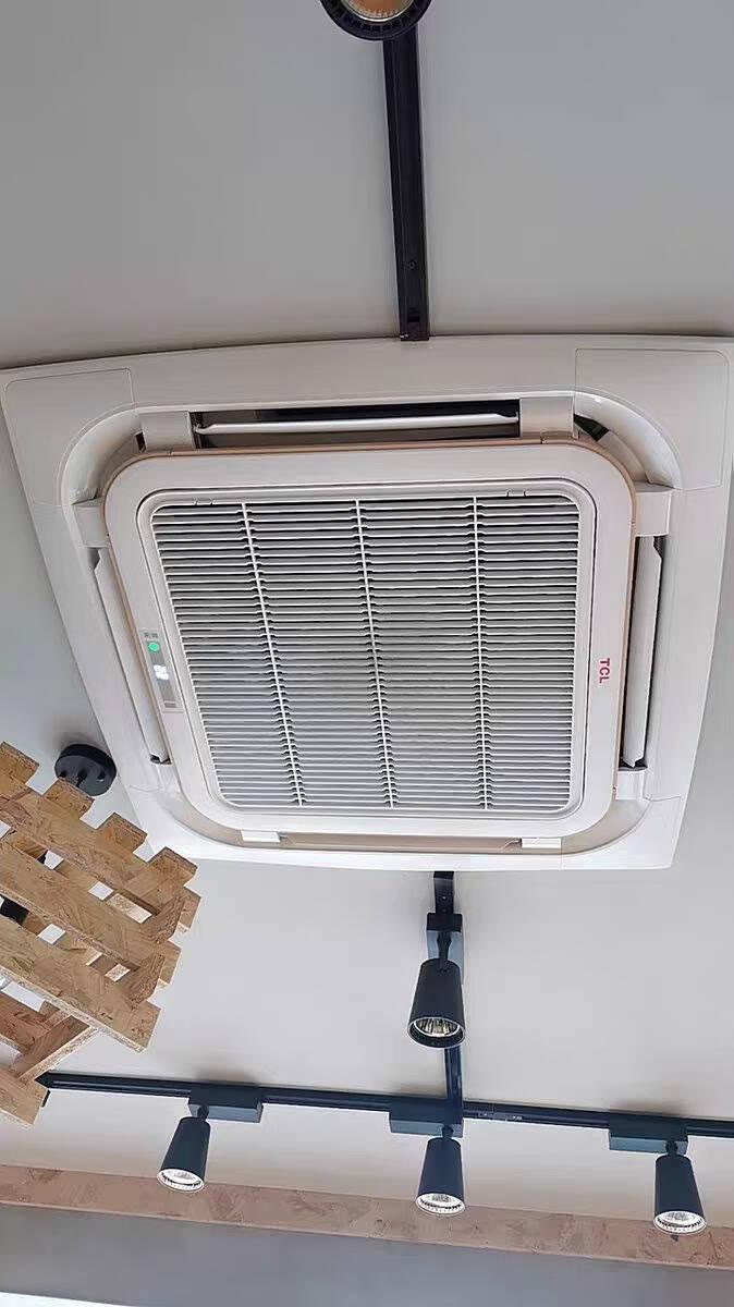 TCL5匹天花机嵌入式吸顶机天井机单冷中央空调380V适用48-60㎡KF-120Q8AW/N1SY-E3