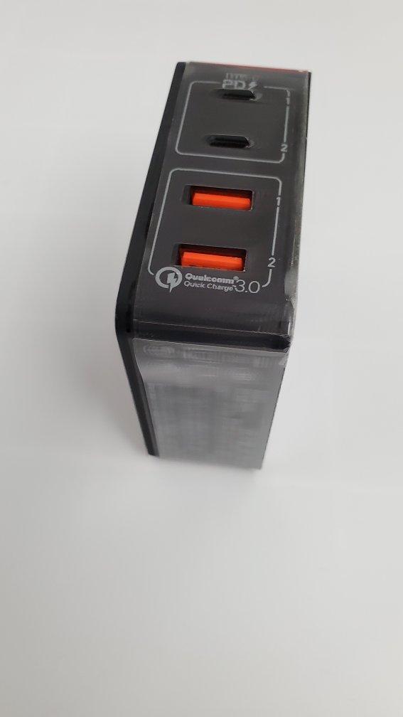 摩米士4口PD快充充电,出门携带一个就够了