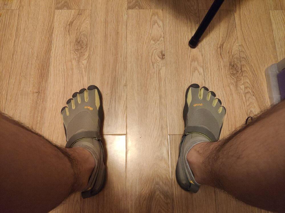 Vibram五指鞋男晨跑夜跑赤足鞋轻便透气跑步鞋健身休闲运动鞋KSO黑色(男款)42