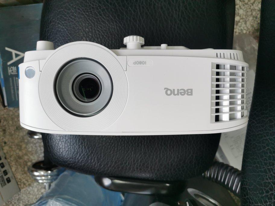 明基E580智能投影仪,1080P全高清手机同屏