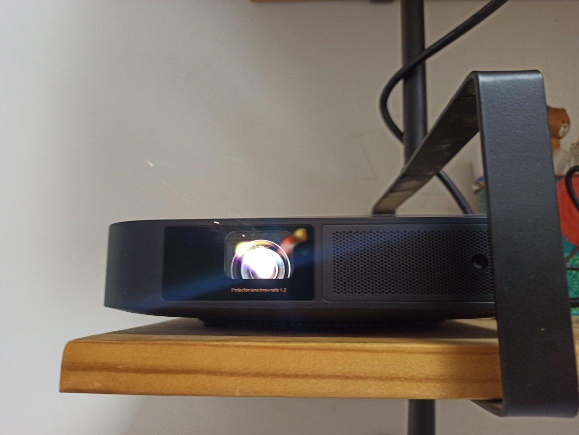 极米NEW Z6X投影仪,水桶机级的家庭影院