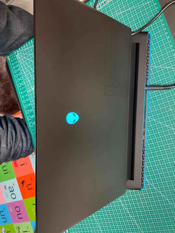 外星人15.6英寸轻薄游戏本,屏幕显卡内存都可以选配