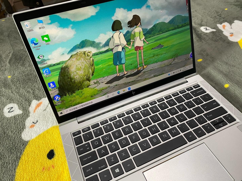 惠普战X锐龙版轻薄笔记本,非常轻巧便携的电脑