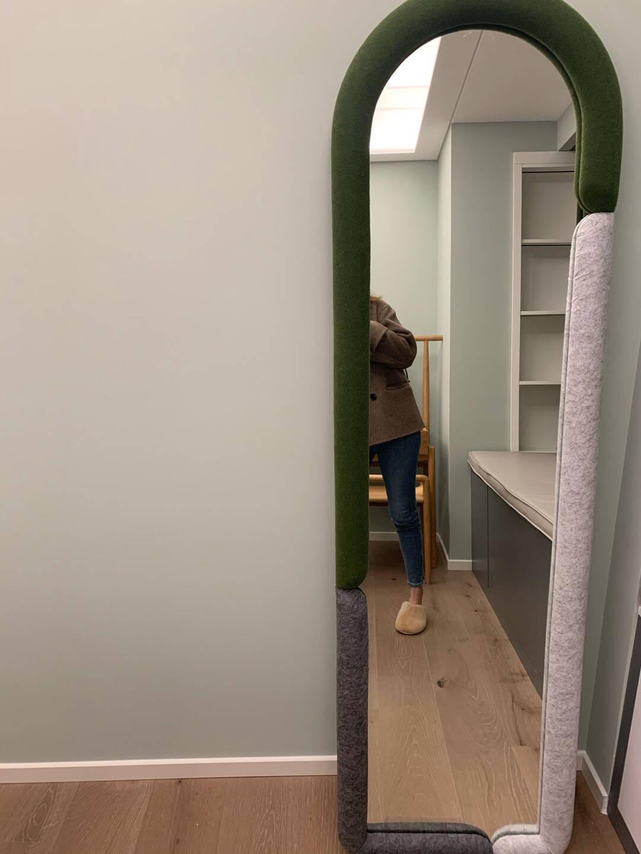 尖叫设计原创云影全身镜北欧现代简约落地穿衣镜家用软包外框卧室可移动试衣镜创意镜子浅肉桂(现货)