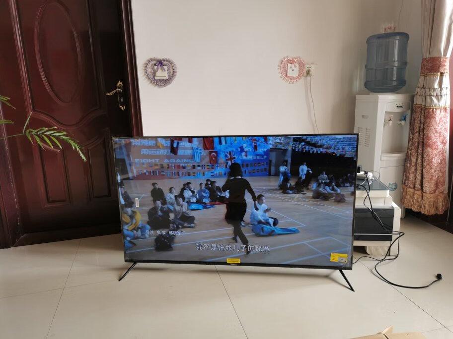 海尔55英寸超薄金属电视,支持8K超高清解码