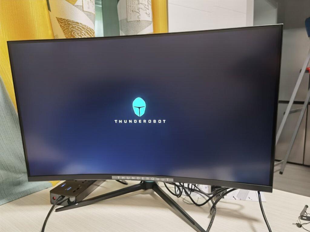 雷神2K曲面电竞游戏显示器,31.5英寸升降旋转款
