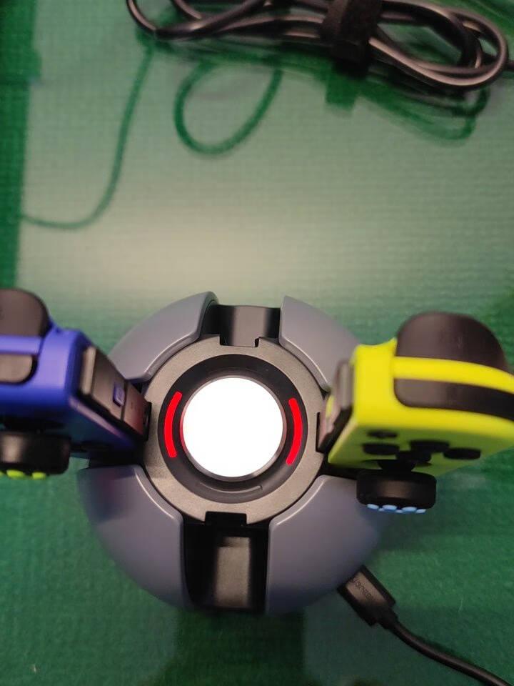 绿联(UGREEN)任天堂Switch游戏手柄充电器Joy-Con手柄充电器底座NS配件左右主机支架底座四充