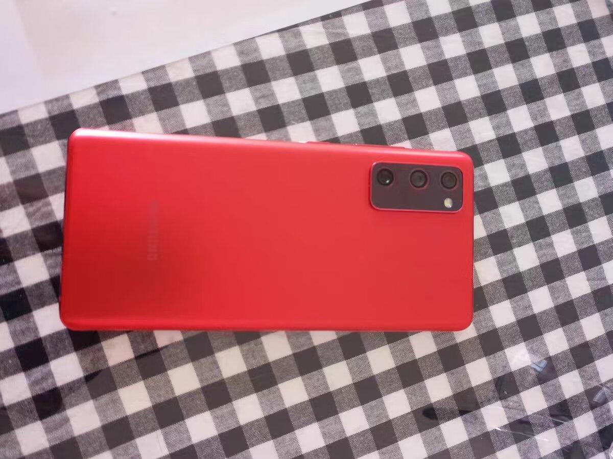 红色三星5G旗舰手机,120Hz屏幕刷新率
