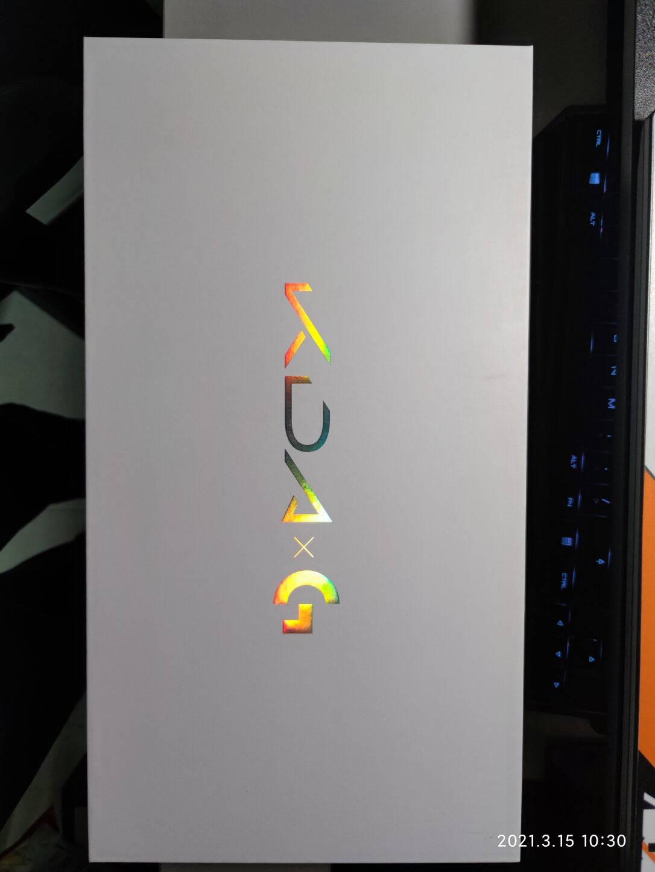 G304LIGHTSPEED无线游戏鼠标+KDA定制大鼠标垫礼盒