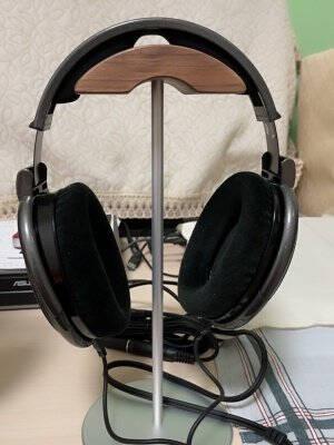 DrewChan耳机支架头戴式通用耳麦电脑游戏Airpodmax桌面挂架实木收纳托架展架多功能架子EJ4S银色胡桃木耳机支架
