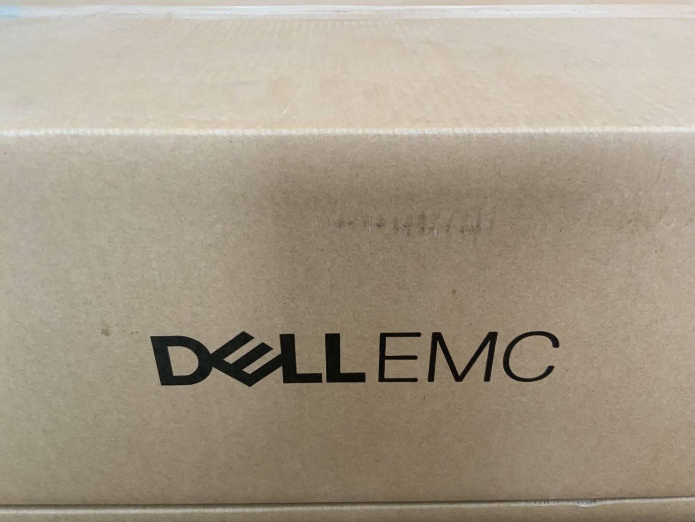 戴尔(DELL)服务器PoweredgeR7402U机架式主机虚拟化GPU服务器1*铜牌3206R8核心8线程2*16G内存丨3*1.2TSAS丨H330