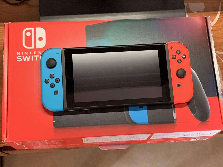 任天堂日版Switch游戏机,送男朋友生日礼物推荐