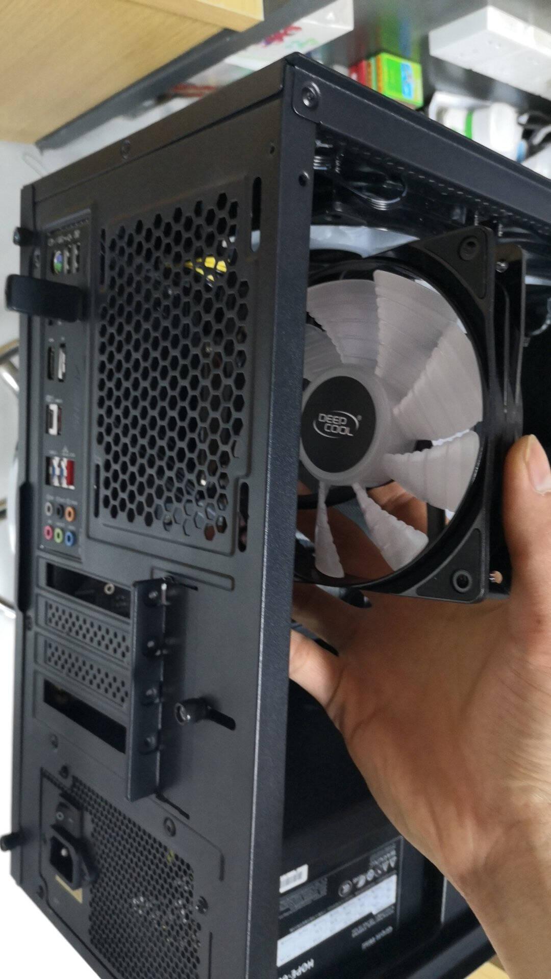 先马(SAMA)冰晶1S12cm机箱散热风扇液压轴承/三色定彩/轴心发光/LED散热风扇/安静低噪音/大4D接口