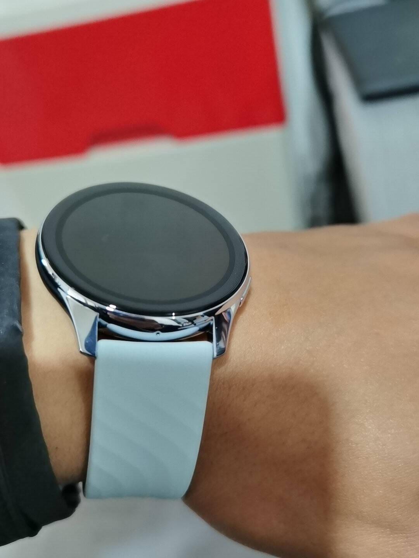 OnePlusWatch一加手表亮黑智能运动户外手表两周续航蓝牙通话Warp闪充心率血氧睡眠监测