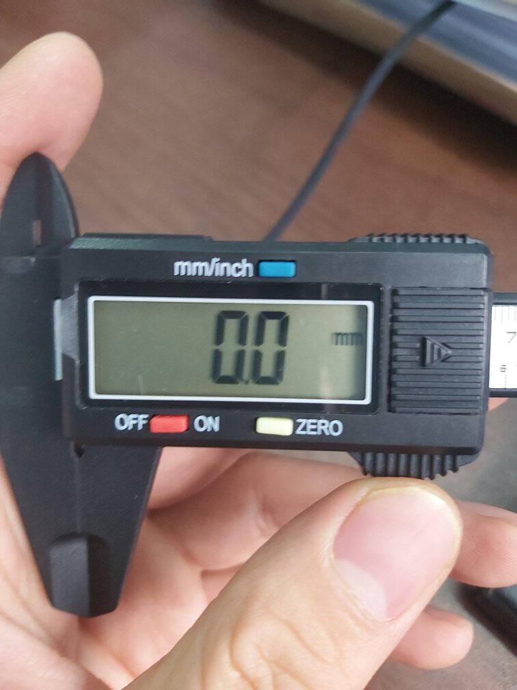 标康SL01-3数显游标卡尺黑色大屏超值款高精度150mm电子数显卡尺碳纤维数字卡尺送备用电池