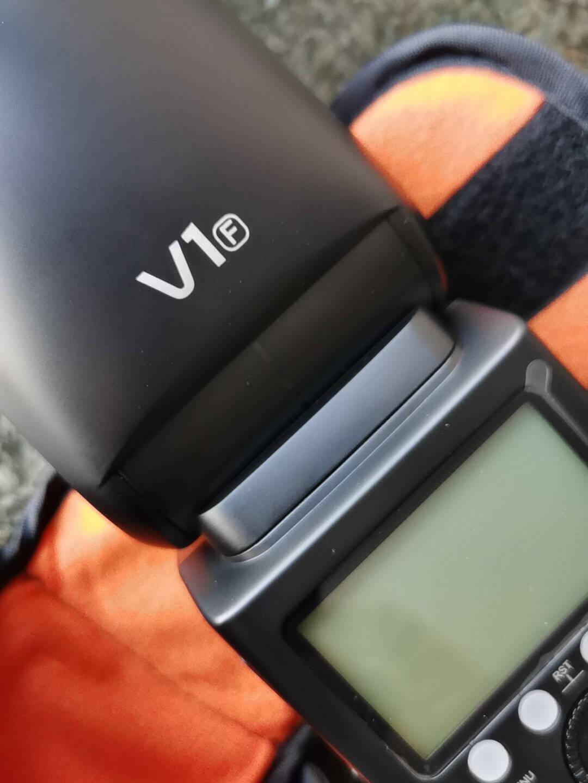 神牛V1闪光灯单反相机外拍机顶灯佳能尼康索尼富士奥林巴斯锂电池高速TTL摄影热靴灯便携口袋灯(富士版)
