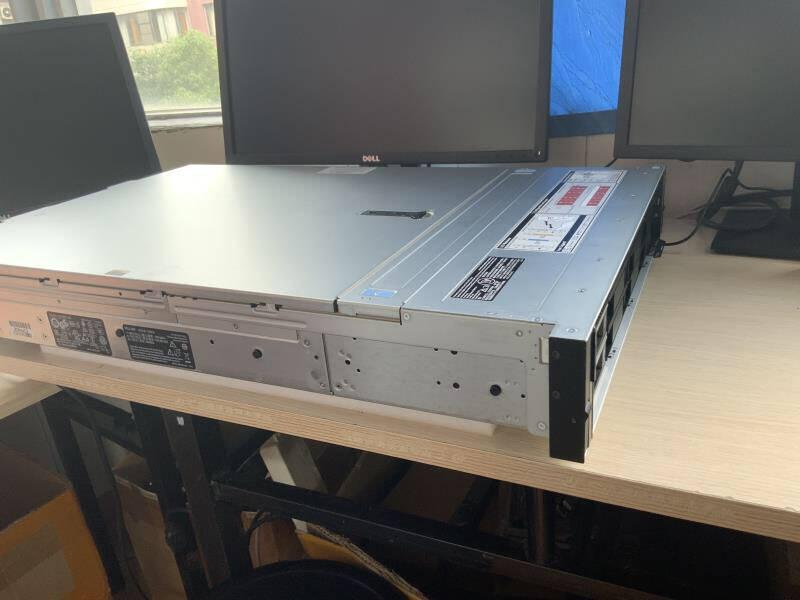 戴尔(DELL)R540/R740服务器主机2U机架式R740铜牌3206R8核8线程单电16G内存丨3*2TSAS丨H330