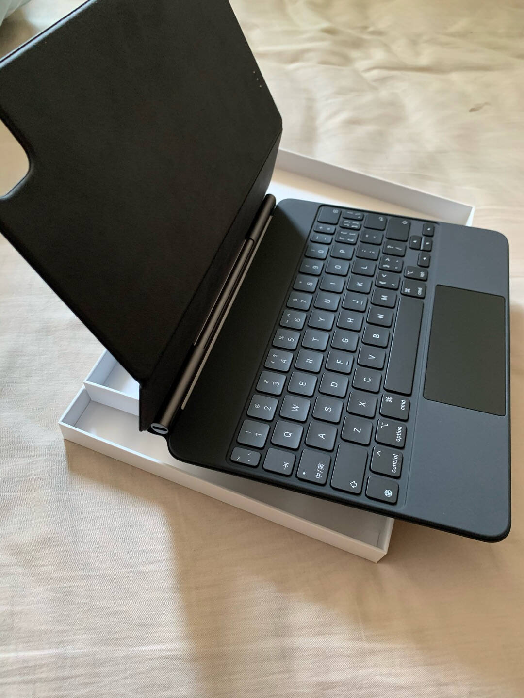 Apple适用于2021年新款12.9英寸iPadPro(第五代)的妙控键盘-黑色-中文(拼音)MJQK3CH/A