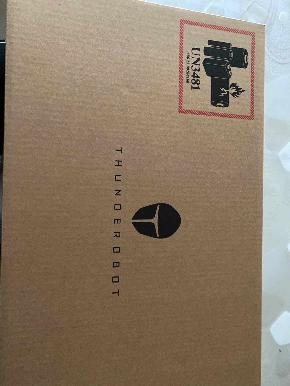 雷神(ThundeRobot)新911绝地武士16.6英寸游戏笔记本电脑(十代i7-10750H8G512GSSDRTX2060144Hz)