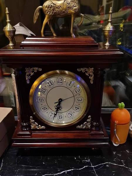 伯莎丹顿欧式轻奢黄铜特色台钟中式古典实木座钟新房办公室书房客厅钟表家用美式复古摆件坐钟