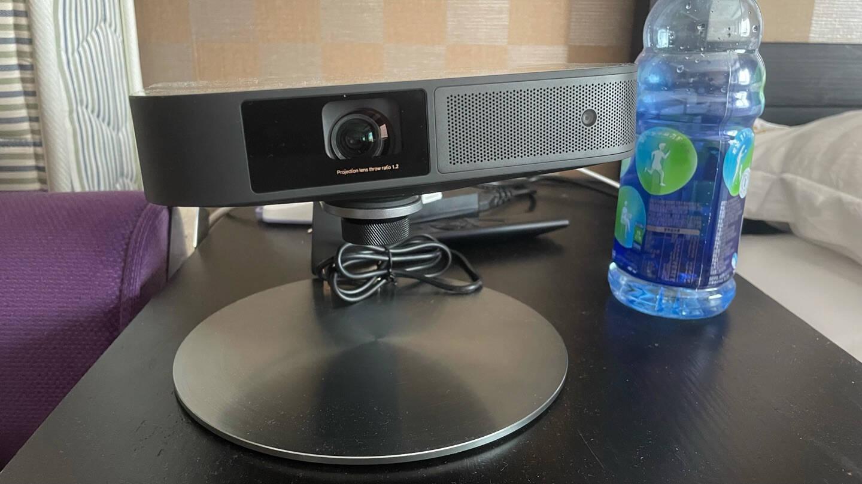 极米(XGIMI)NEWZ6X京东618超级盒子投影仪家用投影机卧室(800ANSI哈曼卡顿原装音响)