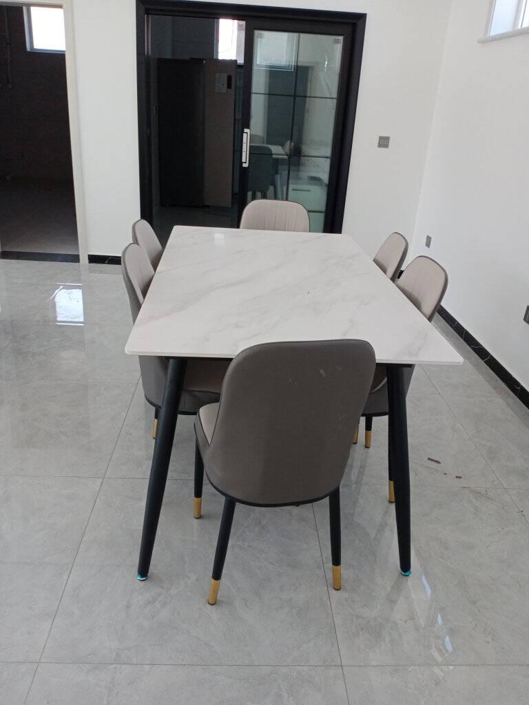 上林春天岩板餐桌意式轻奢长方形餐桌椅组合家用吃饭桌子餐厅家具阿玛尼灰1.4米一桌六椅【配灰色皮椅】