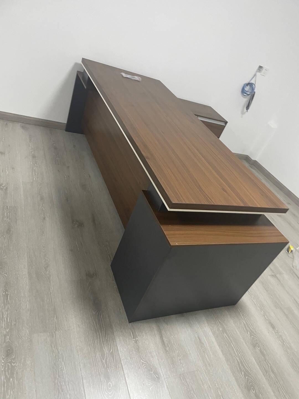 沐哲希办公家具老板桌办公桌椅组合现代简约板式大班台主管桌经理桌总裁桌单人办公桌工作桌1.8米豪华款双副柜(带色卡一个)