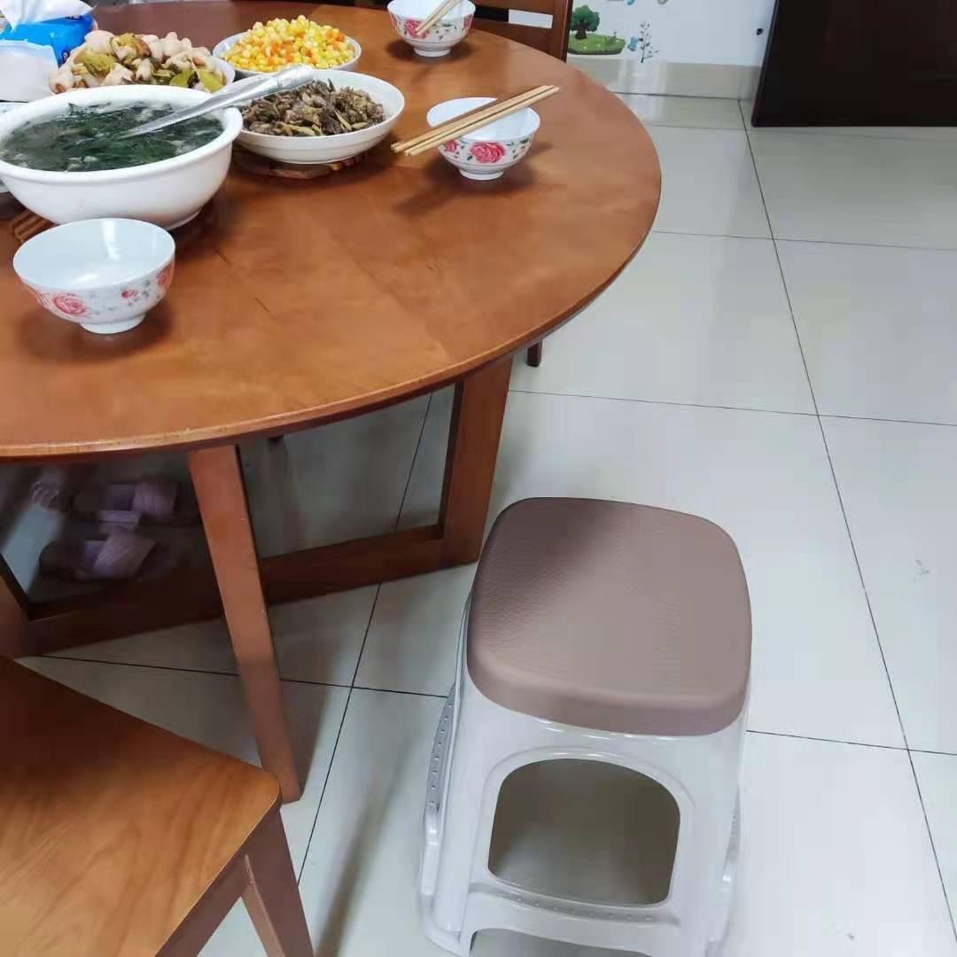 侑家良品【4个装】家用塑料凳子加厚成人高凳现代简约简易板凳加固耐磨卡其色
