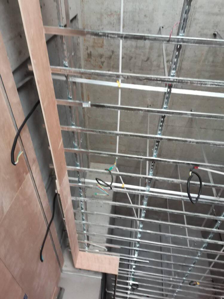 宏迪钢卷尺5米不锈钢圈尺盒尺极小加厚高精度耐磨家用3/5/7/10米82尼龙钢-(5.5米*25毫米)