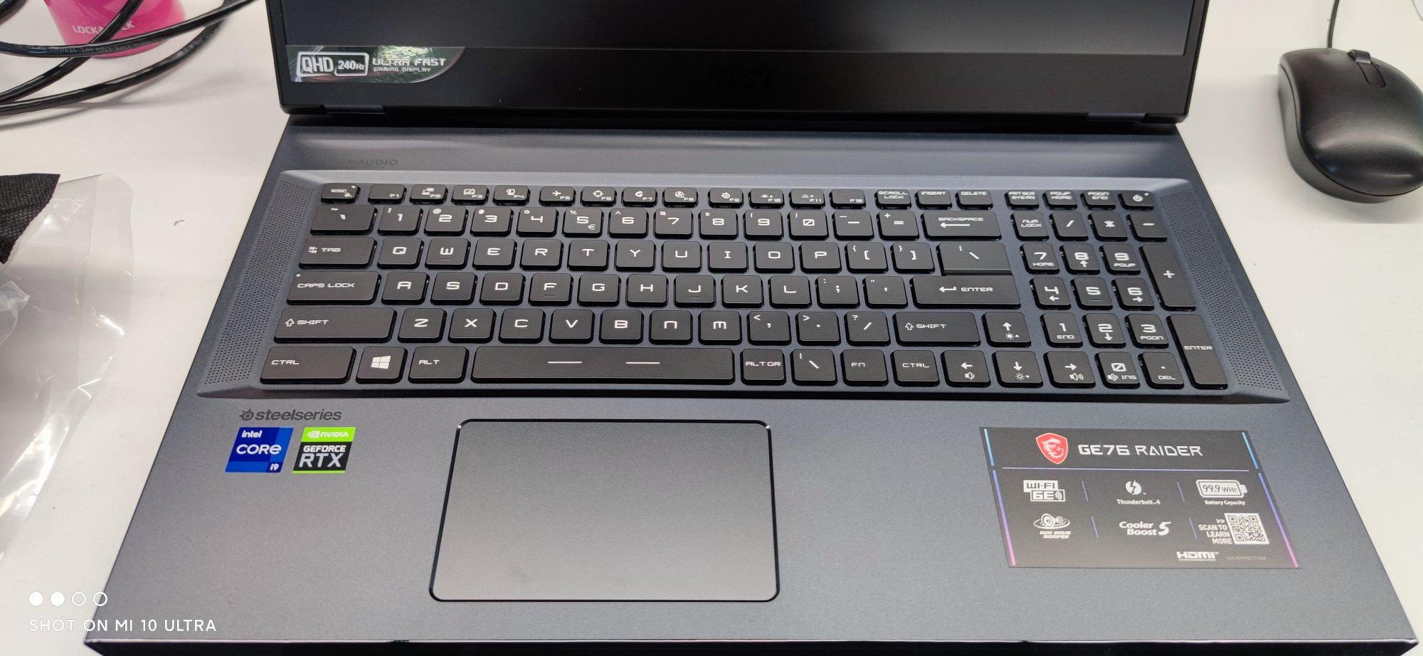 微星强袭GE76高端游戏本,11代i9+RTX3080满血版, 17.3英寸独显直连电脑