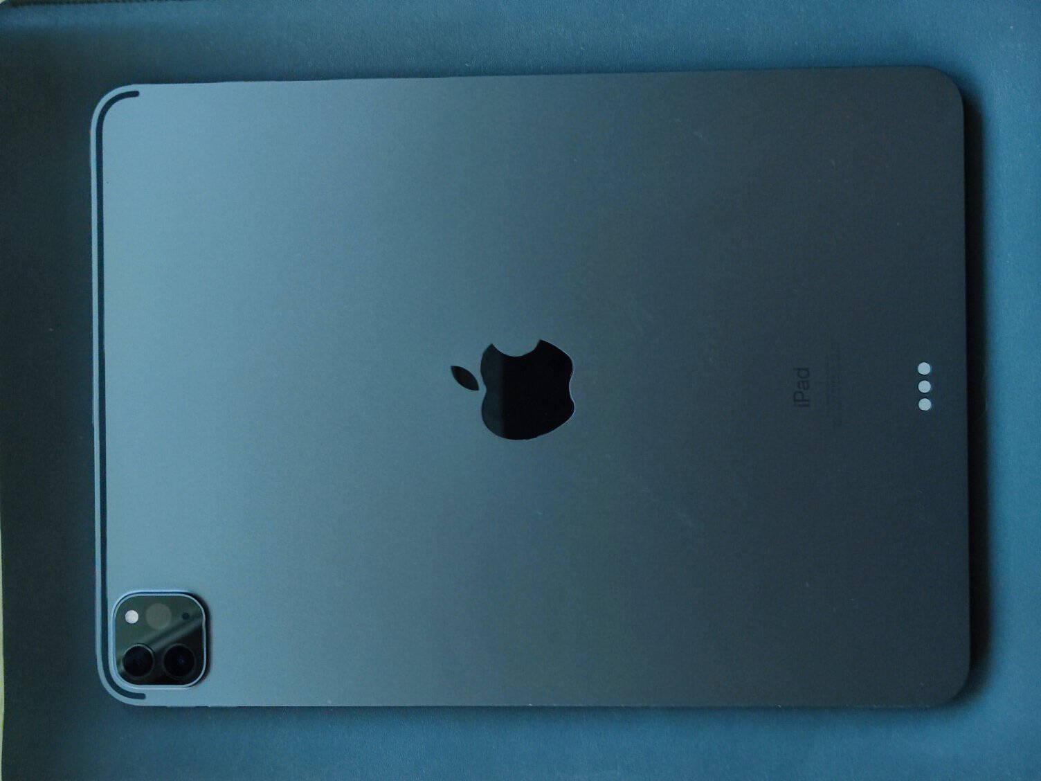 AppleiPadPro11英寸平板电脑2021年新款(256GWLAN版/M1芯片Liquid视网膜屏/MHQU3CH/A)深空灰色