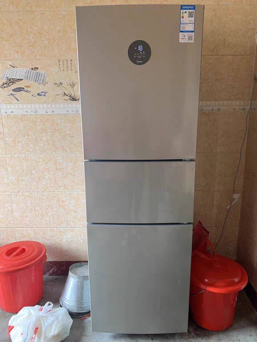 美的(Midea)247升三门家用电冰箱多门一级能效双变频风冷无霜节能低音噪京东小家智能家电BCD-247WTPZM(E)