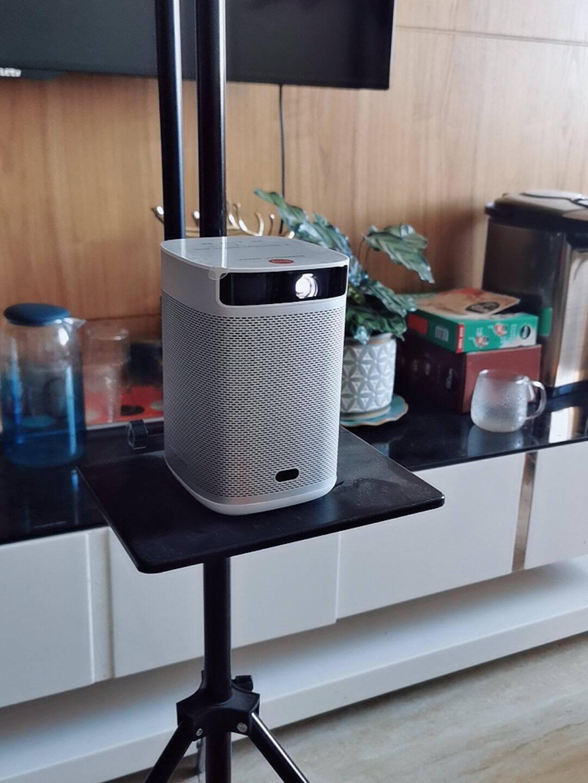 极米(XGIMI)NEWPlay特别版投影仪家用便携户外音乐投影机(一体式支架3.5小时续航哈曼卡顿音响)