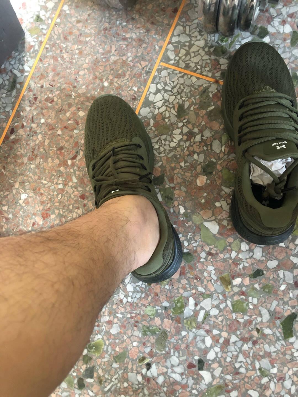 安德玛官方UACharged男子迷彩运动跑步鞋3024244绿色30042.5