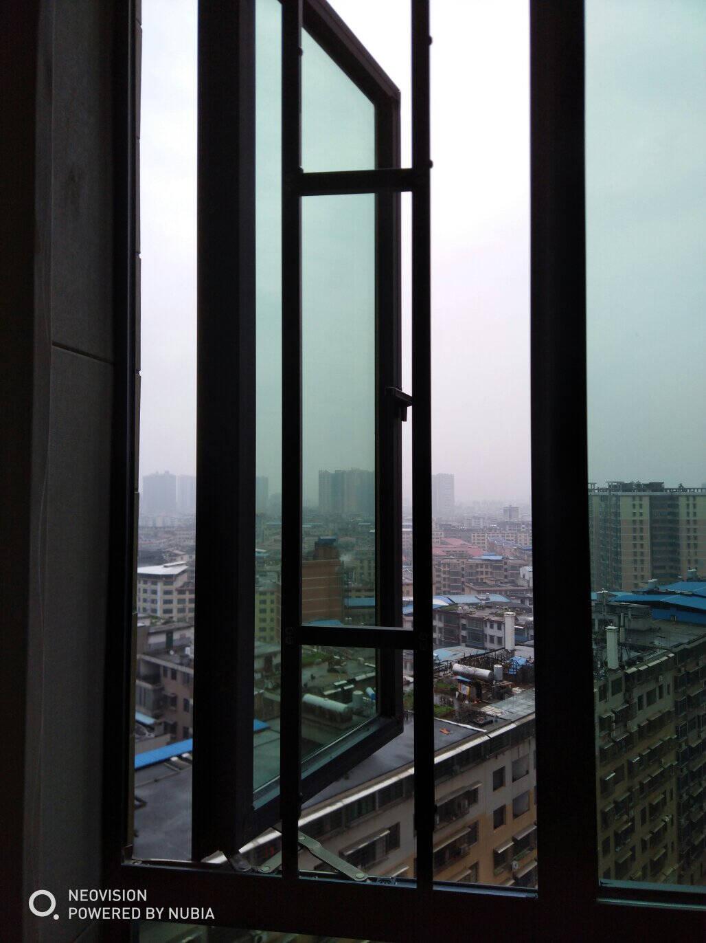 免打孔高层内外开飘窗阳台儿童安全防坠落护栏防盗窗网可拆卸白色/窗高80-95(1支)