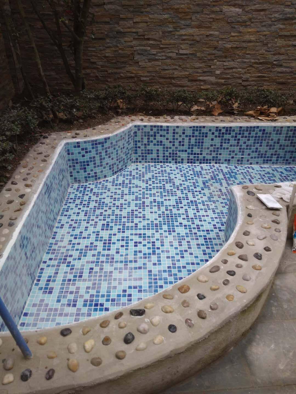 工程游泳池马赛克瓷砖蓝色玻璃水池鱼池浴池户外砖防滑抗冻3厘米湖光水色