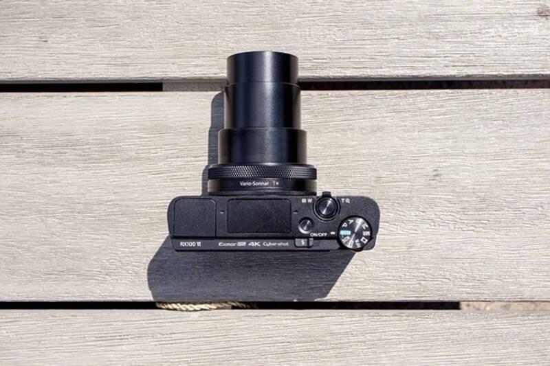 索尼(SONY)DSC-RX100M6黑卡数码相机1英寸大底(蔡司24-200mmF2.8-4.5镜头4K视频触摸对焦黑卡6)