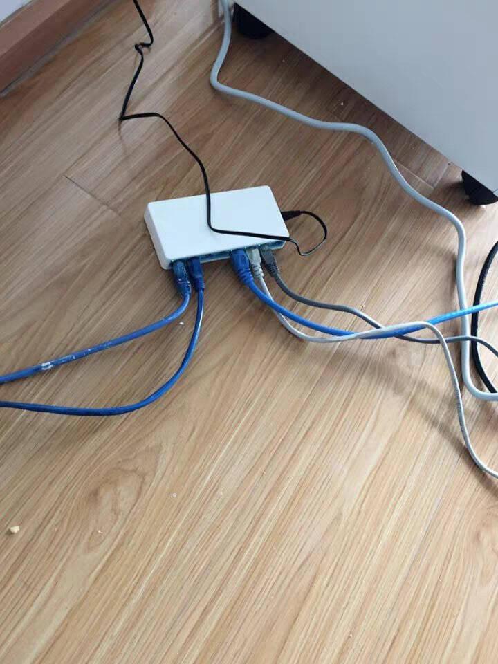 水星(MERCURY)SG108C8口千兆交换机网线网络分线器家用宿舍监控分流器