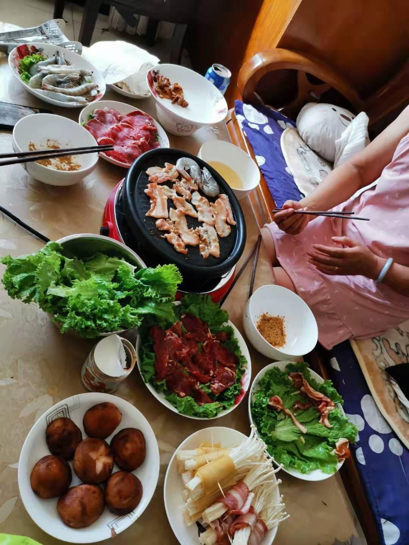 亨博(hengbo)电烧烤炉家用无烟电烤炉韩式不粘电烤盘双层烤肉机HB-515HB-106A