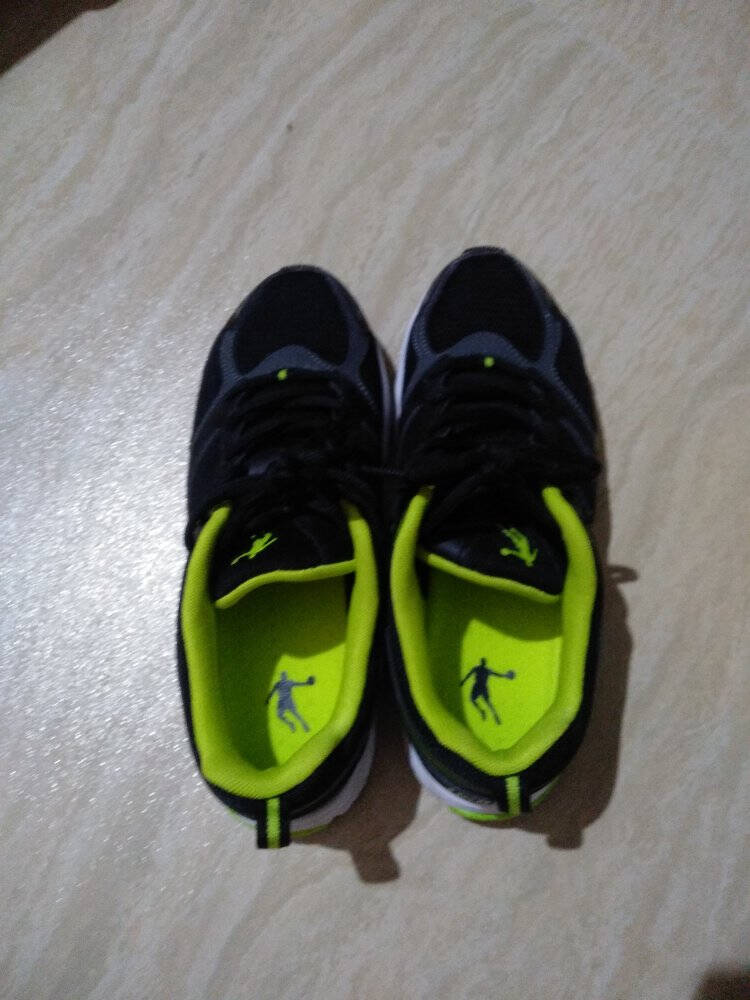 乔丹男鞋2021夏季网面运动鞋男轻便防滑跑步鞋男士休闲旅游鞋子白色/炭灰(215网面)42