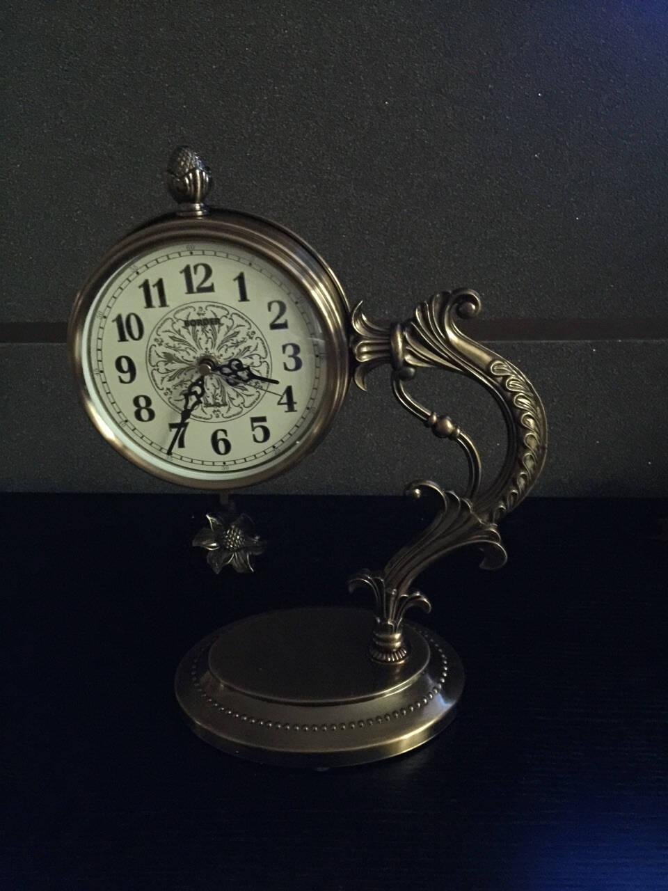 风宇阳光钟饰座钟办公室金属时钟摆件台钟客厅静音大号台式钟表摆钟单边