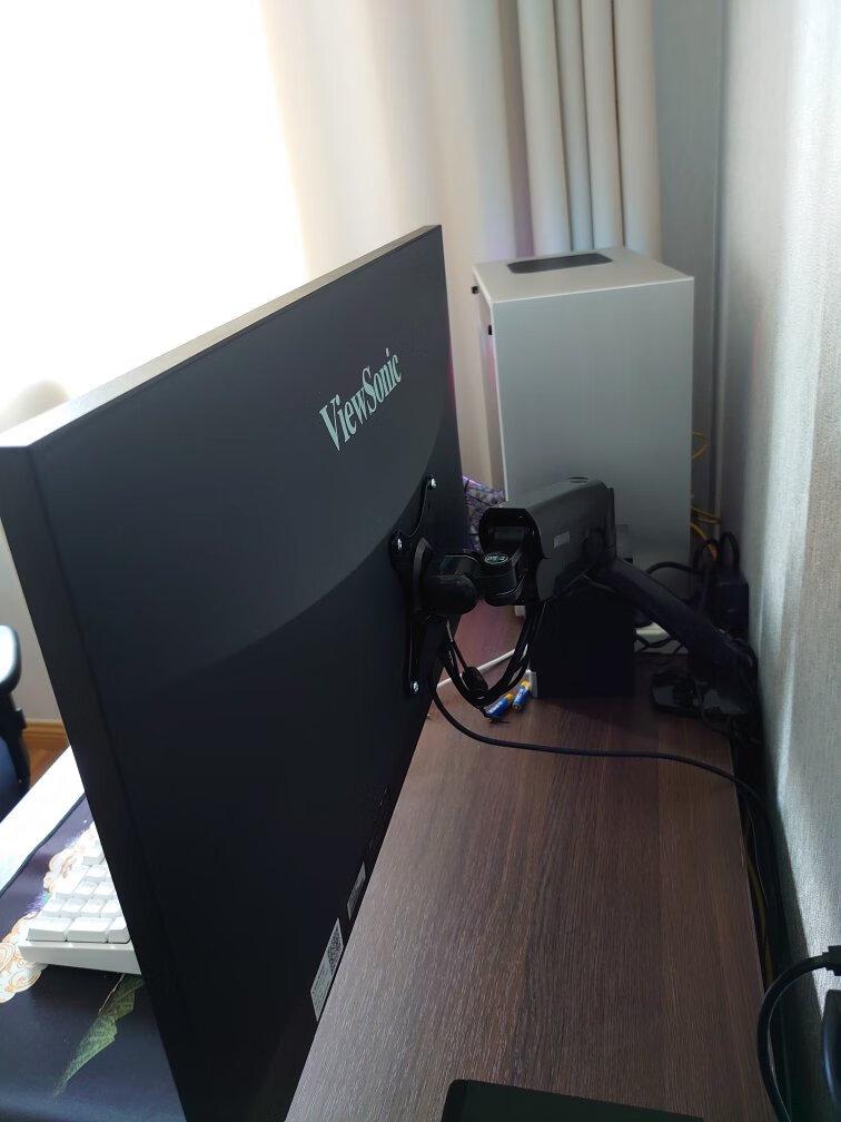 优派27英寸2K电竞显示器,144hz分辨率和130%sRGB