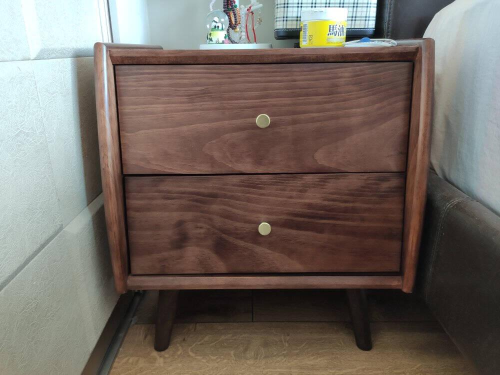 艾迪嘉床头柜实木北欧简约床边收纳柜经济型卧室家用储物柜松木胡桃色送货到家