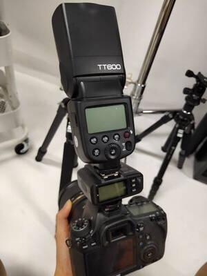神牛(Godox)TT600闪光灯摄影便携离机高速机顶外拍补光灯佳能尼康单反热靴灯TT600单灯+充电电池套装【通用型】